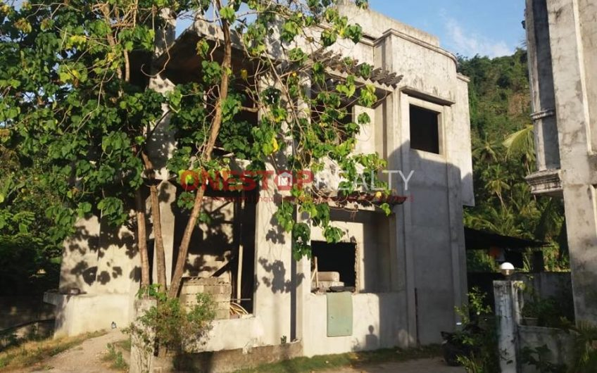 Lot and Apartments for Sale in Valencia