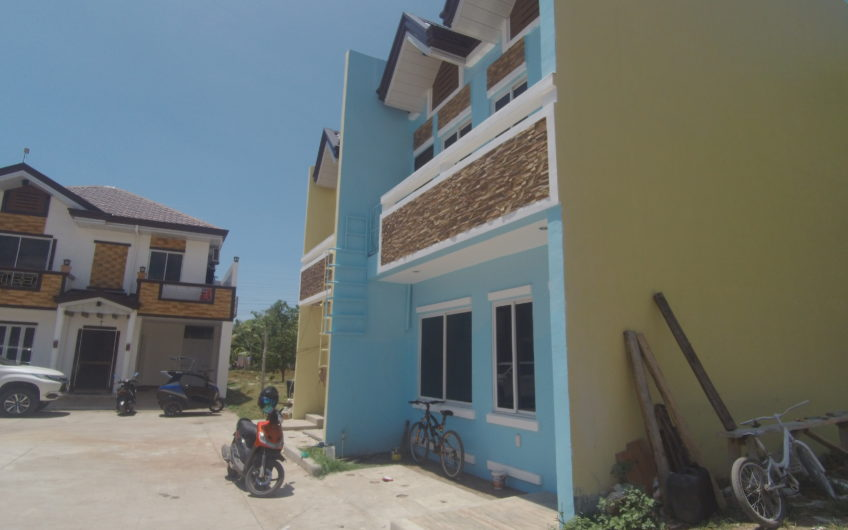 3 Bedroom 2 Bathroom Duplex House for Sale in Cadawinonan, Negros Oriental